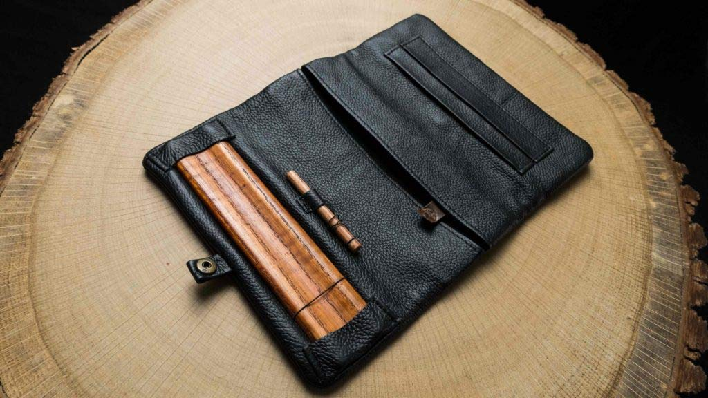 Joint Rolling Pouches,High-Quality Leather – Naturally Keeps Tobacco Moist,King-Size Paper Holder Wooden Rolling Base,Quality Craftsmanship Stylish and Sturdy (Classic)