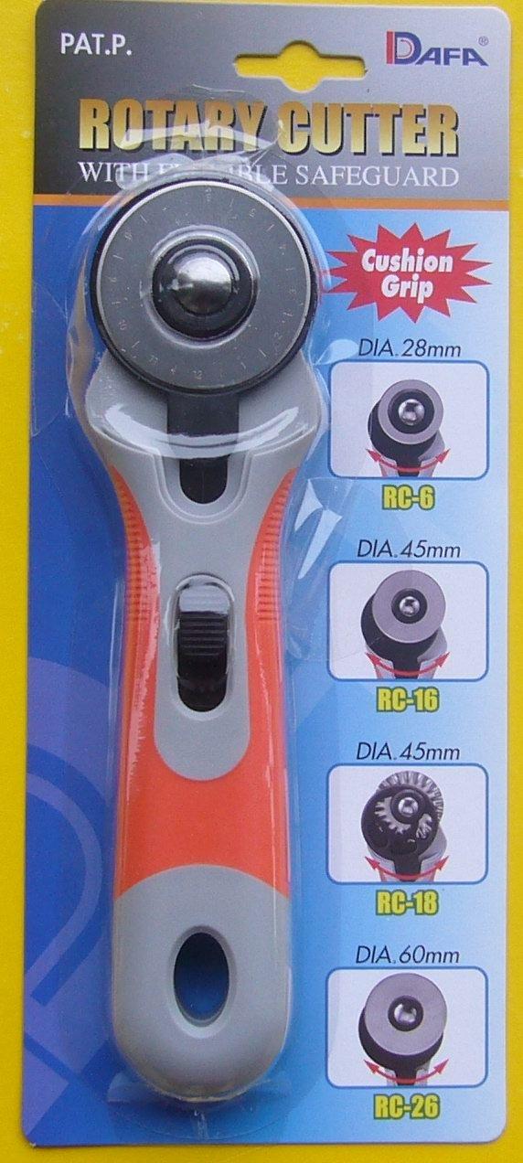 DAFA 28 mm Soft Grip Rotary Cutter, Multi-Colour 28mm dafa cutter