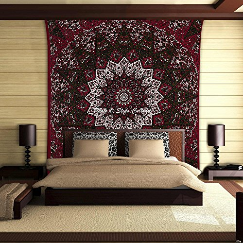 Stylo Culture Throw Bohemian Mandala Tapestry Cotton Maroon Green Queen Printed Star Bedspread Throw Beach Rug, Picnic Rug, Wall Decoration, Room Divider
