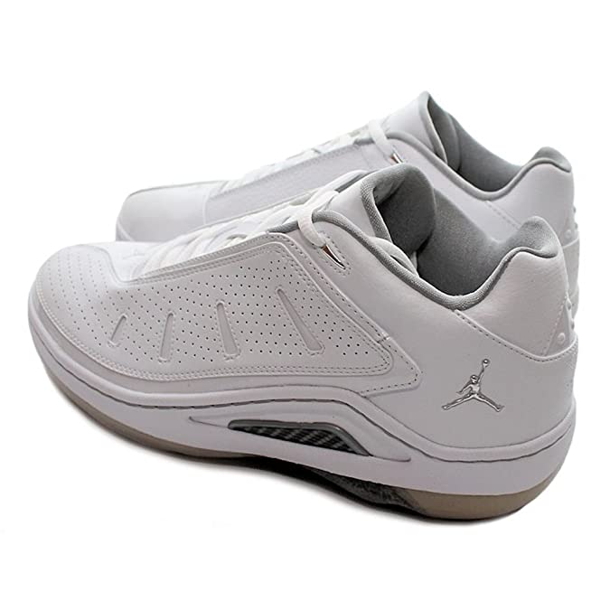 super popular c0eb6 afb29 Nike - JORDAN ESTERNO LOW - Color  White - Size  10.0US  Amazon.ca  Shoes    Handbags