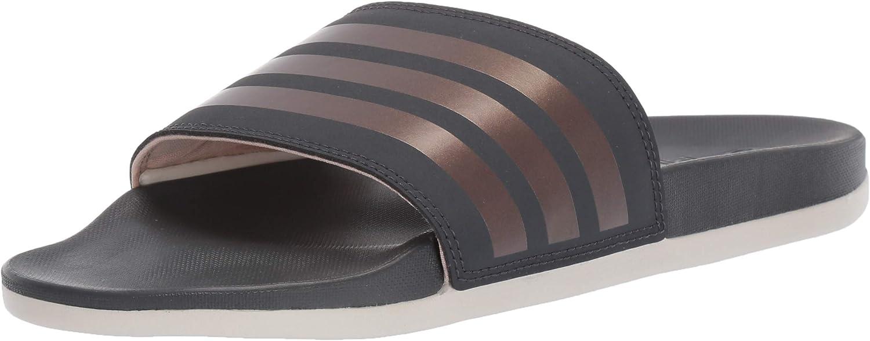análisis Secretario Organizar  Amazon.com | adidas Women's Adilette Comfort Swim Shoe | Sport Sandals &  Slides