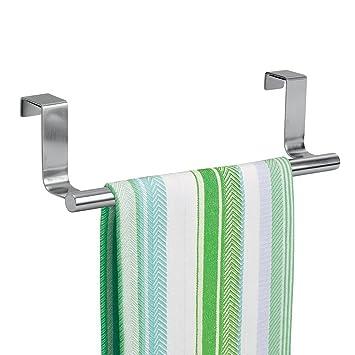 mDesign Soporte para toallas y repasadores - Toallero para cocina colgante - Accesorio para armario,