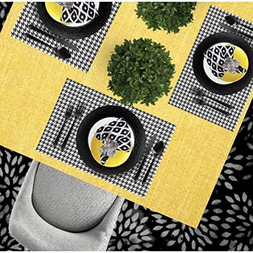 Amazon Com Altoona Design Geometric Design Paper Placemats 24 Pack Black And White Houndstooth Rectangle 12 5 X 18 5 Home Kitchen