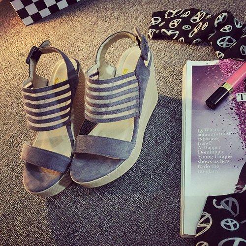 Xing Lin Sandalias De Cuero Las Mujeres Con Sandalias De Tacón Alto De Gama Alta De Verano Pastel Plataforma Impermeable Negro Grueso Zapatos Estudiante De Roma gray
