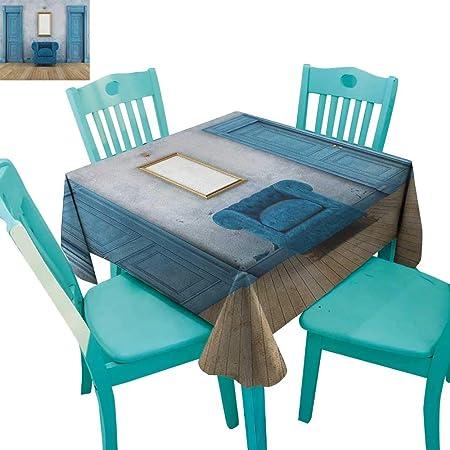 Mesa de Comedor Antigua, decoración vacía con Dos Puertas de ...