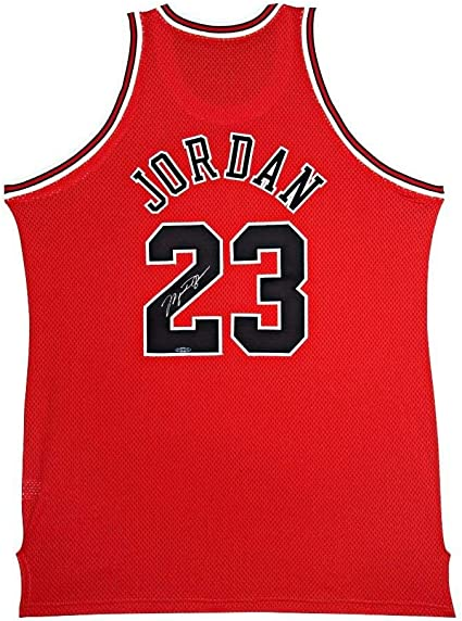 Michael Jordan Signed '97-'98 Away Jersey - Upper Deck ...