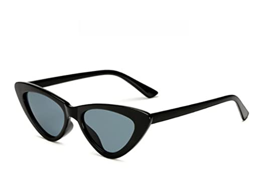 98f1989f57748 COOCOl 2018 small cateye triangle cute sexy retro cat eye sunglasses women  small black white vintage