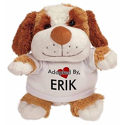 Adoptedby pouvant atteindre Erik Peluche ours en peluche portant un nom de T-shirt imprimé