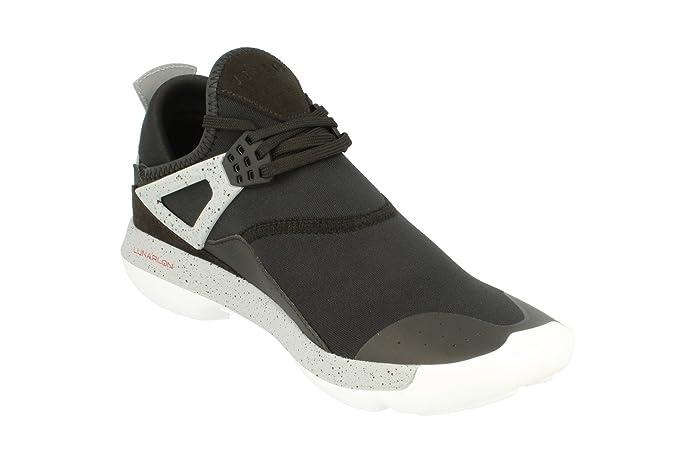 cheap for discount 04c84 70274 Amazon.com   Jordan Men s Fly  89 Fashion Sneakers   Fashion Sneakers