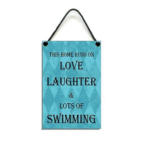 Esta casa se ejecuta en amor risas y un montón de natación ...