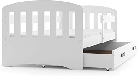 Materiales: -Marco de madera de pino (certificado FSC) -Los lados de la cama fabricados en tablero M