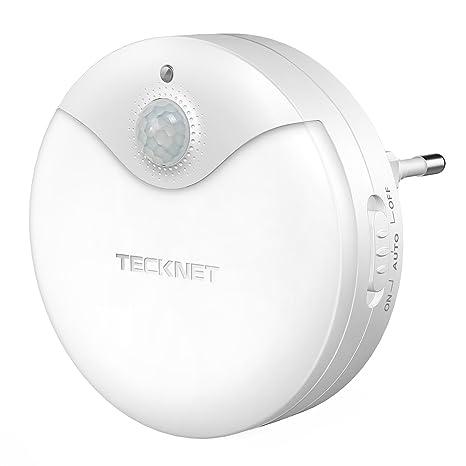 Luz nocturna LED TeckNet Luz LED para escalones con sensor de movimiento y Sensor de luz integrado, Enchufe europeo, Luz Blanco y Suave, Se fija a ...