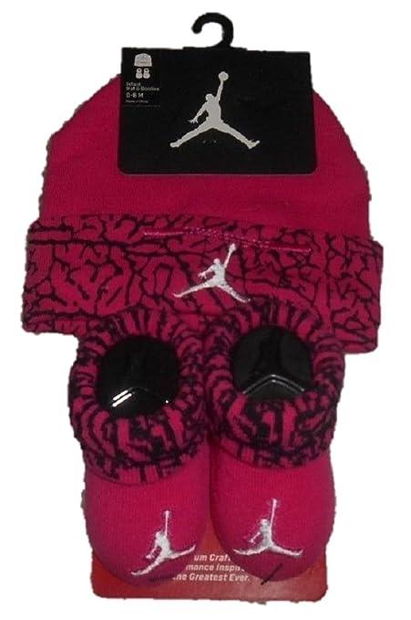 374939be2d7b Nike Jordan Two Piece Infant Booties   Beanie Set Fuchsia Pink 0-6 Months  Baby boy Girl ...  Amazon.co.uk  Kitchen   Home