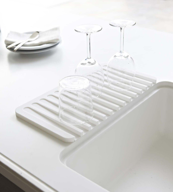 Amazon.com | Self Draining Silicone Drying Mat. 15 x 8 Inches Dish ...