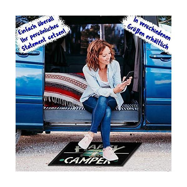 61HvzzwoyaL Print Royal Camping Fußmatte mit lustigem Spruch - Happy Camper - Geschenkidee / Camping Zubehör / Campingmatte…