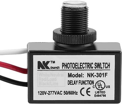 interruptor fotoel/éctrico 120V-277VAC funciona con la mayor/ía de los accesorios y bombillas El control del sensor del interruptor negro