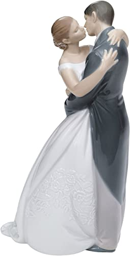 NAO A Kiss Forever. Porcelain Bride and Groom Wedding Figure.