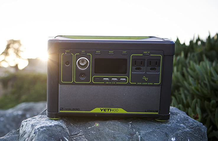 the goal zero yeti 400 lithium sitting on top of a rock