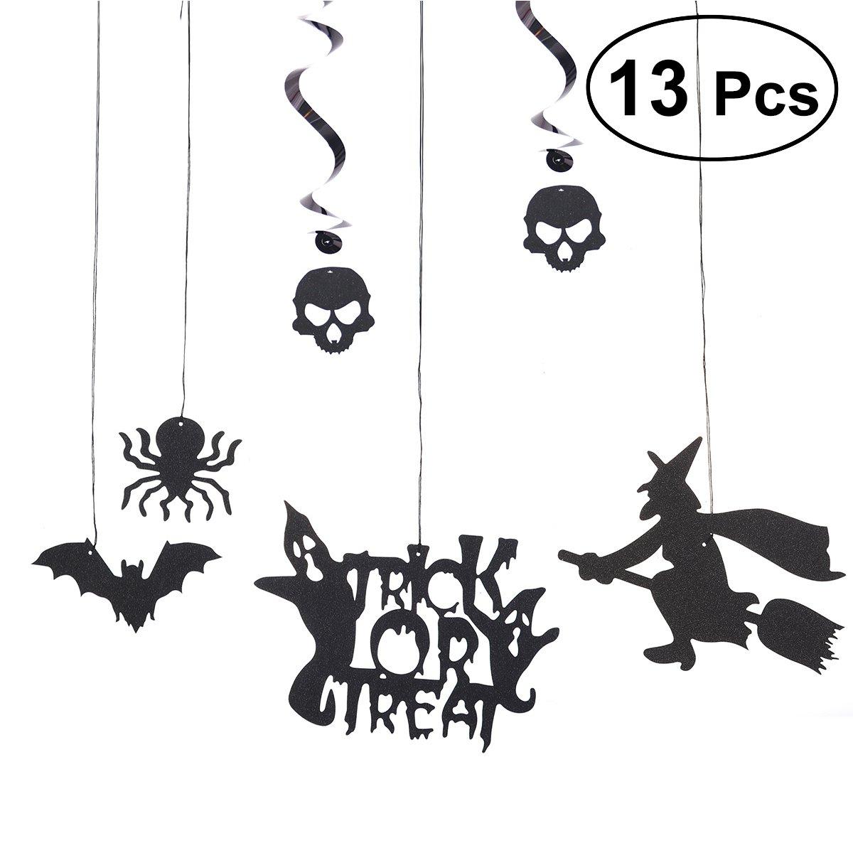 Amosfun 13 pcs Suspendus en Spirale Guirlandes Ornements Spider Bat Sorcière Crâne PVC Suspendus Bannière Halloween Événement Fournitures Décoration