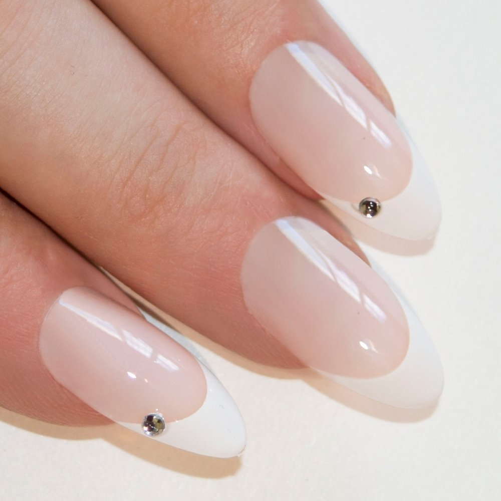 Amazon.com : Bling Art Almond False Nails Fake Stiletto White ...