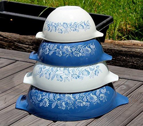 SET OF 4 - Vintage Pyrex COLONIAL MIST Blue & White Glass 1 1/2 Pint, 1 1/2 Quart, 2 1/2 Quart & 4 Quart Mixing Nesting Bowl Set ()