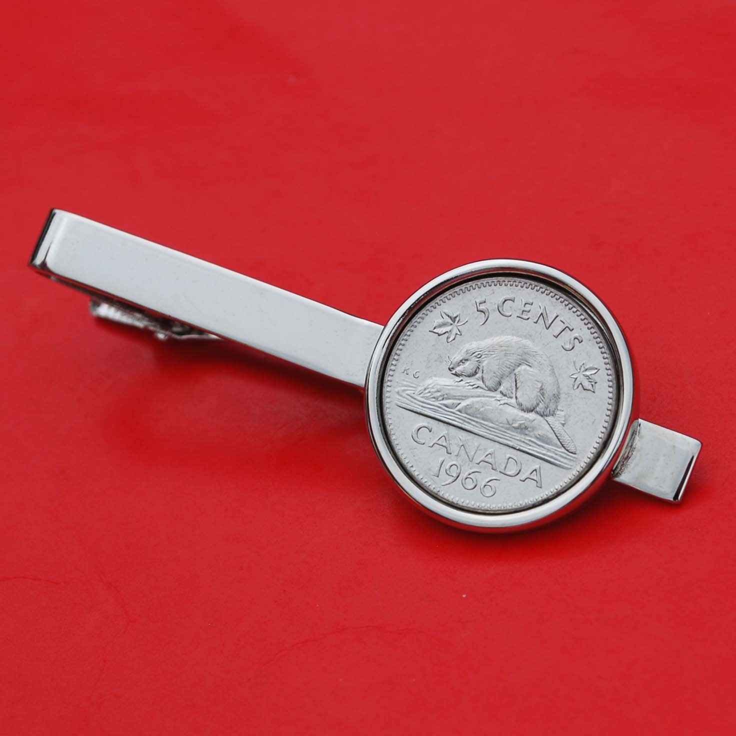 Canada 1966 Five Cents Gem BU Uncirculated Nickel Coin Silver Plated Tie Clip Clasp Bar - Wildlife Animal Beaver On Rock