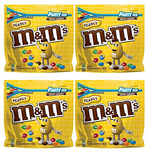 M&M'S Peanut Chocolate Candy Party Size, 4 Pack (42oz Peanut) by .