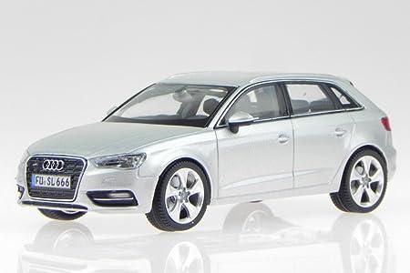 Audi A3 Sportback 2012 Eis Silber Modellauto 450751700 Schuco 1 43 Spielzeug