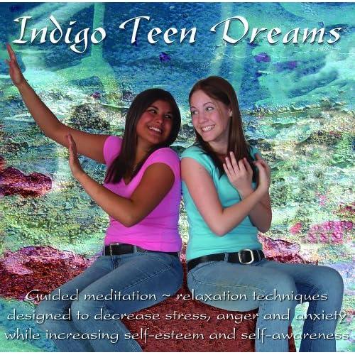 loading-indigo-teen-dreams-freaky-white-girls-fucking