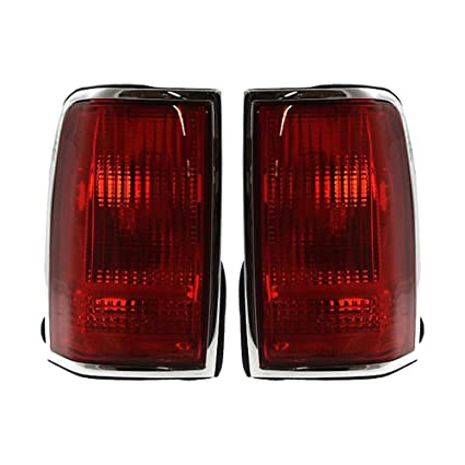 Amazon Com Evan Fischer Eva15672059940 Tail Light For 96 Lincoln