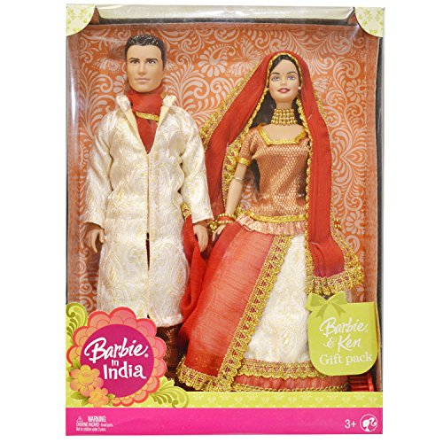 (Barbie in India Barbie & Ken Gift Pack Dressed in Traditional India Attire)