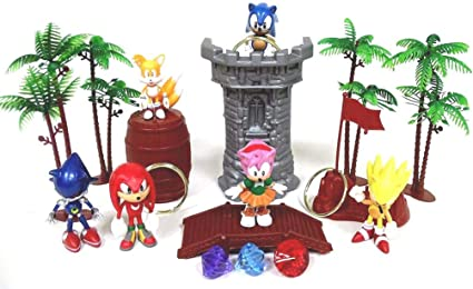 Amazon Com Sonic 18 Piece Play Set Featuring Random Sonic Figures And Accessories May Include Super Sonic Amy Rose Miles Tails Prower Sonic Metal Sonic And Knuckles Toys Games