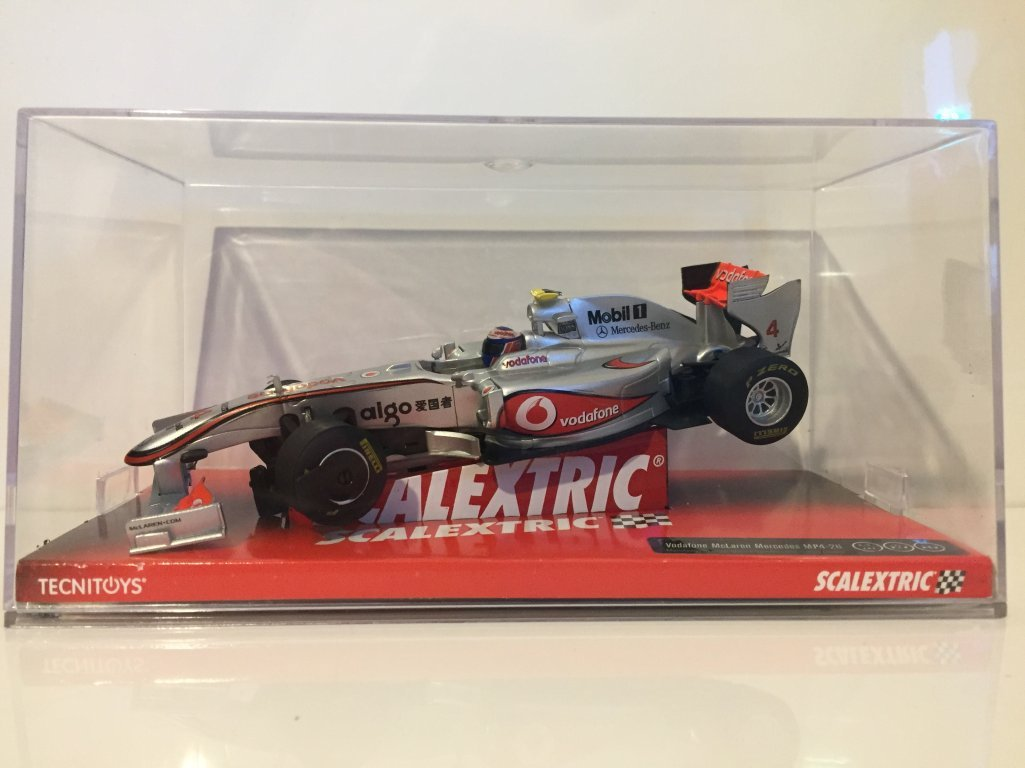 Scalextric Original - Vodafone Mclaren Mercedes Mp4-26 Button A10080S300