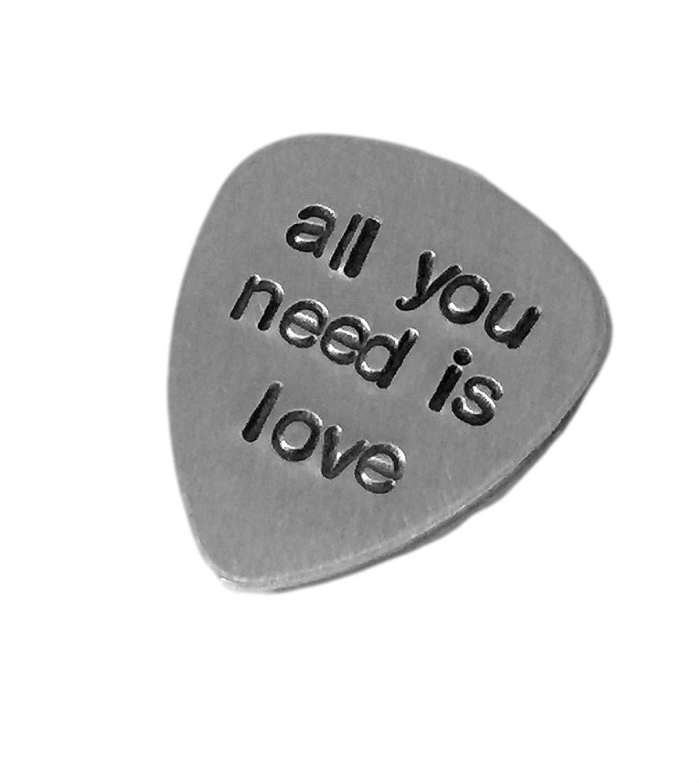 アルミGuitar Pick Traditionalスタイル – カスタマイズカスタマイズされた手Stamped Hammeredギターピック – All You Need Is Love – 最高のギフトMusician   B00LQNC3XW