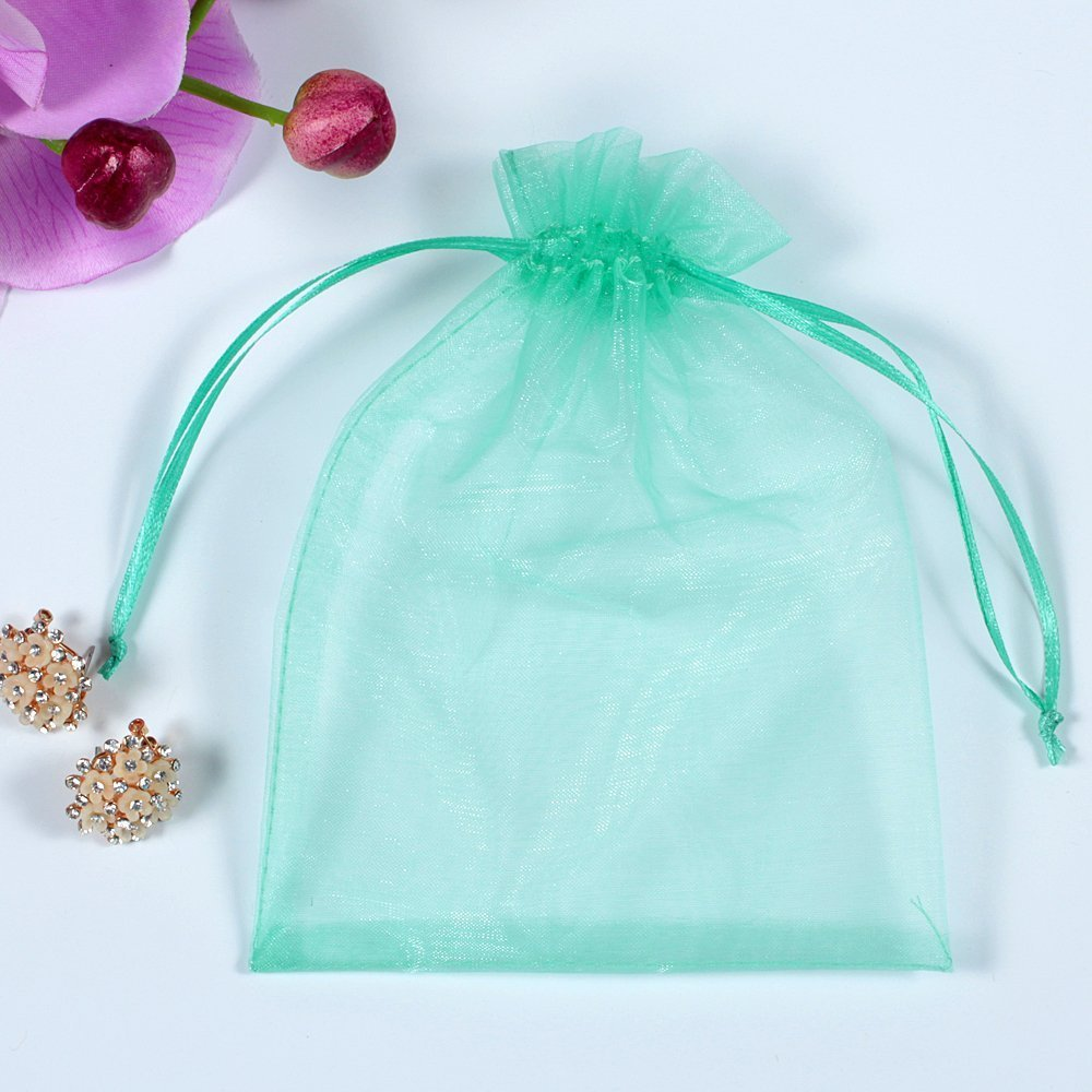 iLoving Green Organza Bags 4x6, 100pcs Small Drawstring Mesh Jewelry Favor Pouches Wedding Party Festival Gift Bags (Light Green)