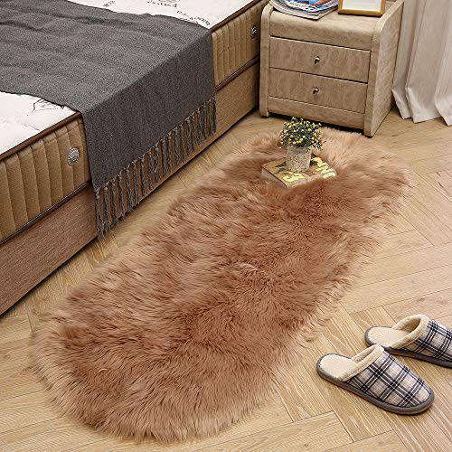 LEEVAN Soft Shag Area Rugs Living Room Faux Fur Wool Oval Bedroom Carpet Plet Rug Fluffy Kids Children Play Mat Home Accent Decorate(Coffee,2ft x 4ft)