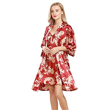 46ad44d12a9d Daiwenwo Women Robe Gown Set Sleepwear Faux Silk Luxurious Ladies Summer  Bath Robe Nightdress 2 Pcs Set Female Pajamas WP322 at Amazon Women s  Clothing ...