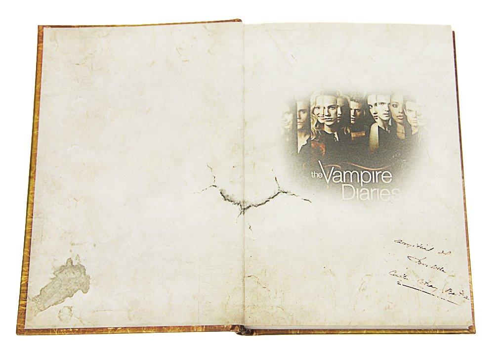 Vampire Diaries LOVE NEVER DIES Agenda livre rigide vintage avec insert dimages du film Pages en couleur Journal intime, 240 pages, 128 x 186 mm. ...