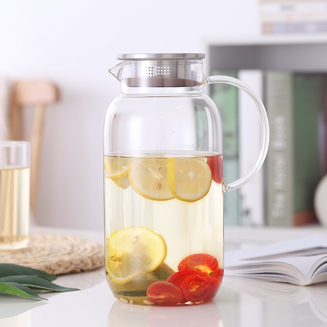 Ice Tea GOODESERVE 60OZ Large Capacity Water Carafe Glass Pitcher with Stainless Steel Lid Borosilicate Jug with Handle for Hot//Cold Water 1800ml Stove-TOP Safe Coffee Juice Beverage