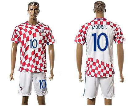 2016 2017 Croatia 10 Luka Modric Home Football Jersey In Red  Amazon.co.uk   Kitchen   Home 2aedeaa45