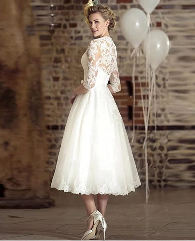 b9b3ec7e781 QiJunGe Vintage Wedding Gowns V Neck Lace Sleeves Retro Bridal Wedding  Dresses at Amazon Women s Clothing store