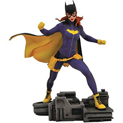 DIAMOND SELECT TOYS DC Gallery: Batgirl PVC Figure: Toys & Games