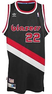 bacd4d7ca Amazon.com   Mitchell   Ness Clyde Drexler Portland Trail Blazers ...