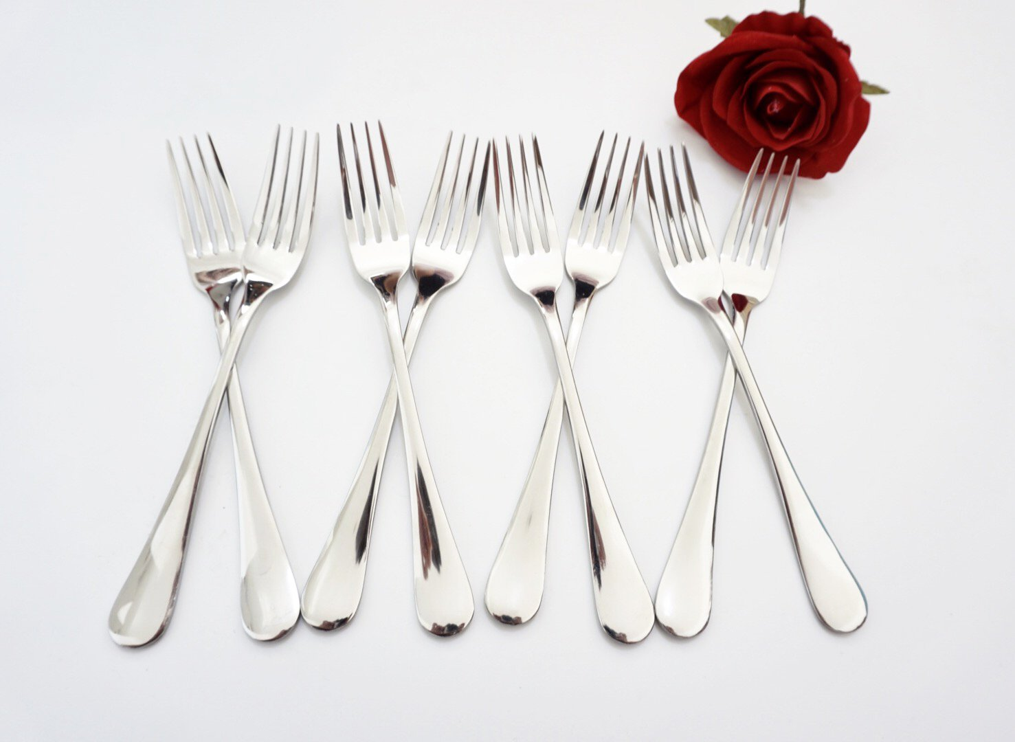 Mirror Polished WANGDA 8 Pieces Dinner Forks Set Heavy Duty Stainless Steel Flatware Sets