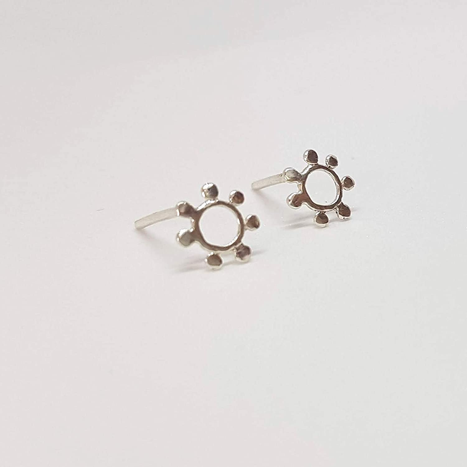 A Pair of Unique 925 Sterling Silver Small Tiny Post Earrings Flower//Sun Shaped Silver Stud Earrings Handmade Womens Jewelry Indian Style