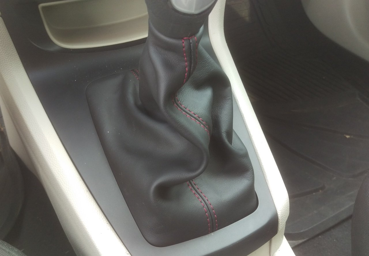 RedlineGoods Shift Boot (Type 1 for Non-ST Cars only) Compatible with Ford Fiesta 2011-19. Black Leather-Blue Thread