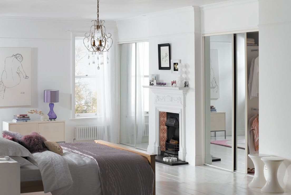 spacepro 4 x 30 white framed mirror sliding door pack with interior