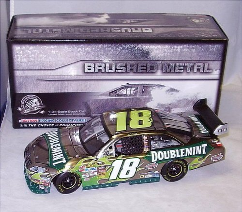 2010-kyle-busch-doublemint-toyota-camry-brushed-metal-finish-hood-opens-trunk-opens-hoto-roof-flaps-