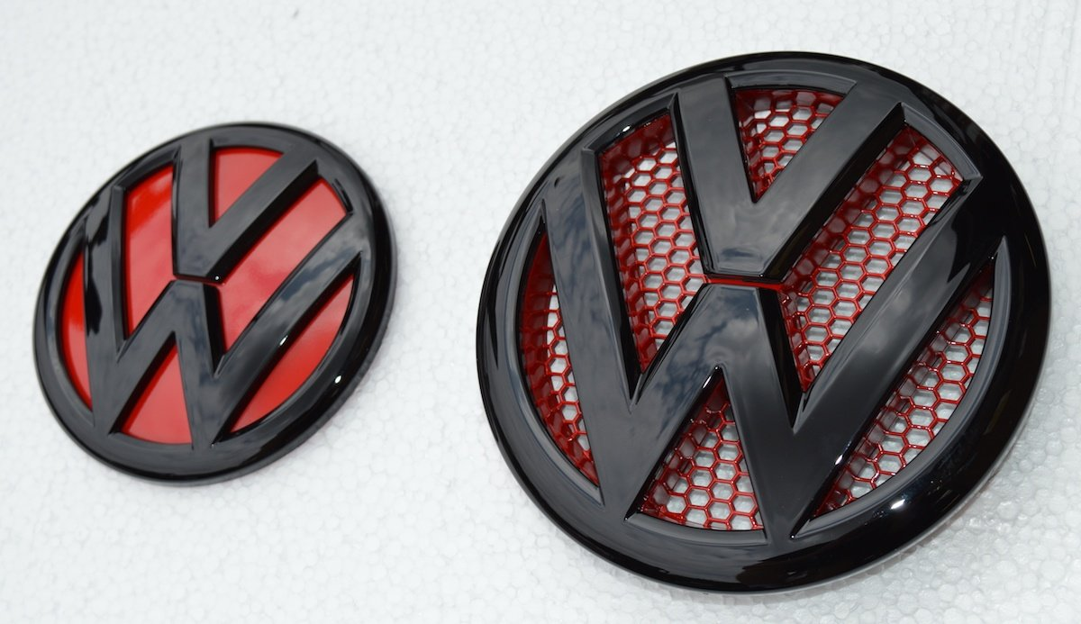 Vee Dub Transporters T5.1 Facelift 2010> Gloss Black & Gloss Red Front & Rear Badges