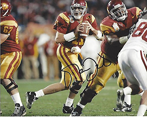 (Autographed Leinart Photo - QB- #11 2004 HEISMAN TROPHY WINNER 10x8 Color - Autographed College Photos)